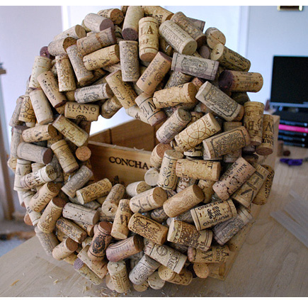 I don't quite have the number of corks needed to make a wreath like this, but I would happily attempt to drink the neccessary amount of wine! via save-on-crafts